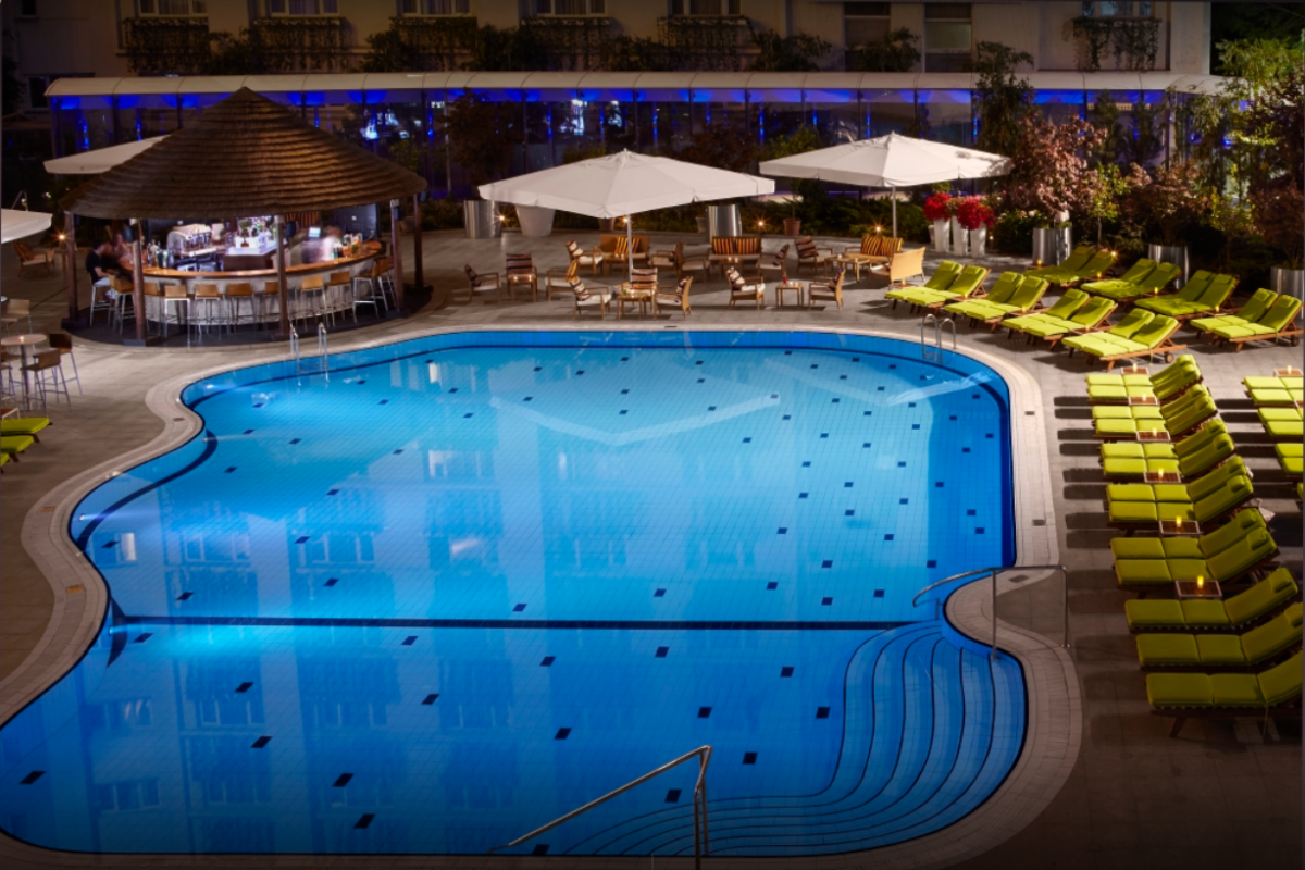 radisson_blu_piscina_exterioara